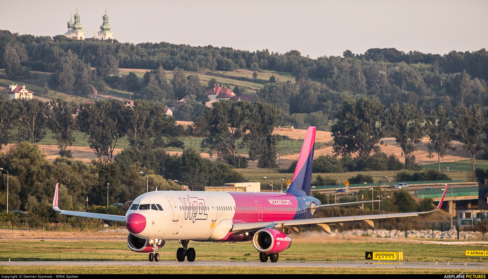 Wizz Air HA-LXT aircraft at Kraków - John Paul II Intl