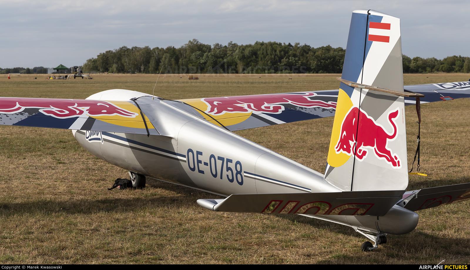 Blanix-Team OE-0758 aircraft at Leszno - Strzyżewice