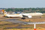 Etihad Boeing 777 visited Asuncion title=