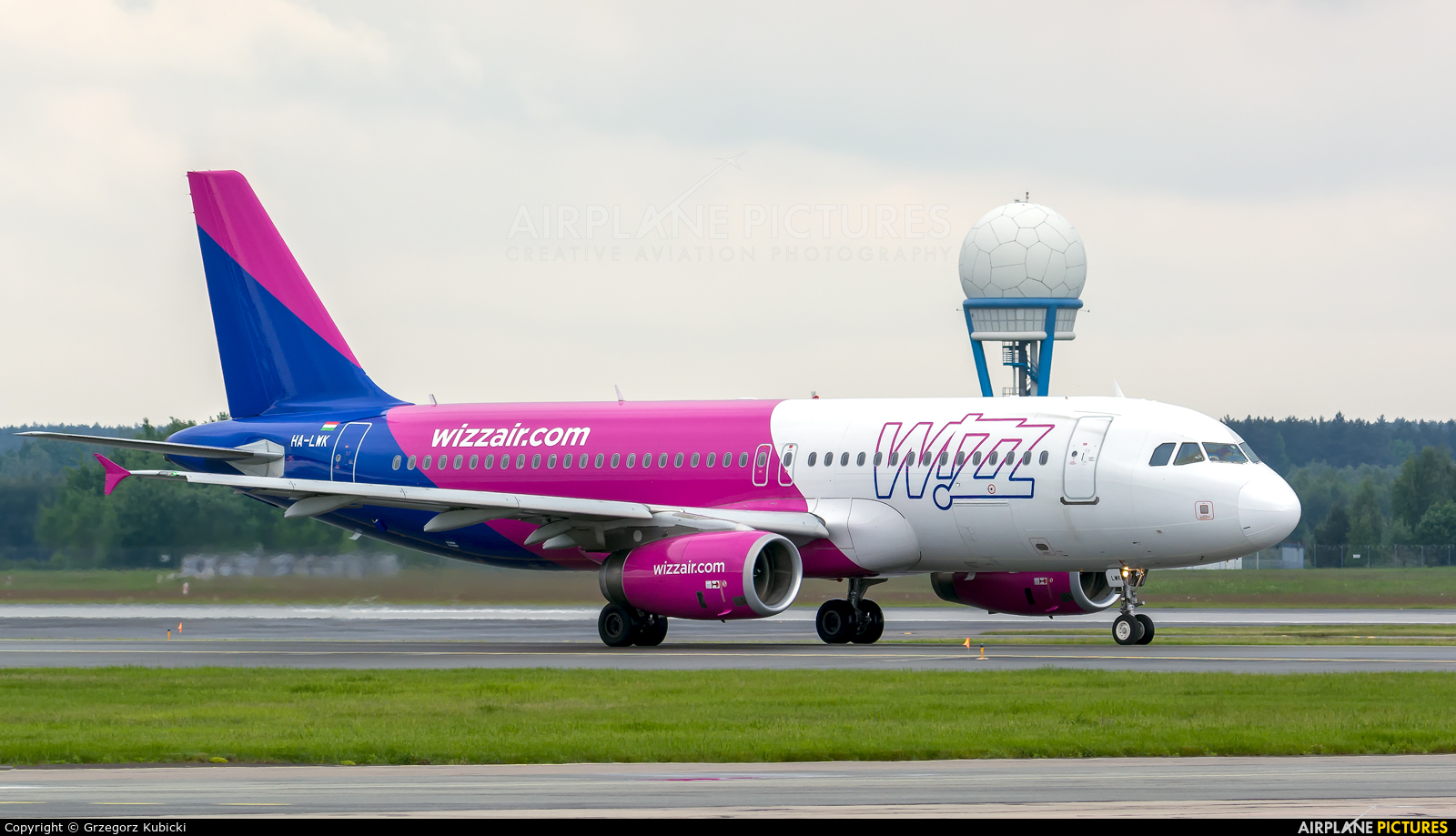 Wizz Air HA-LWK aircraft at Katowice - Pyrzowice