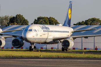 D-AIUO - Lufthansa Airbus A320