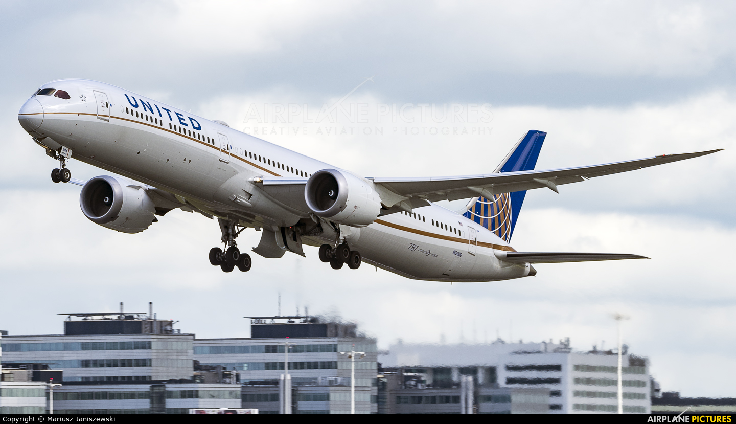United Airlines N12006 aircraft at Amsterdam - Schiphol