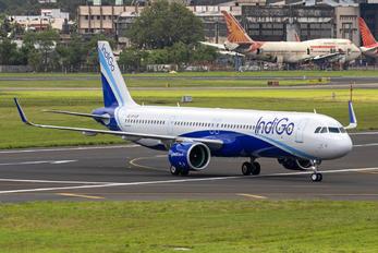 VT-IUT - IndiGo Airbus A321 NEO