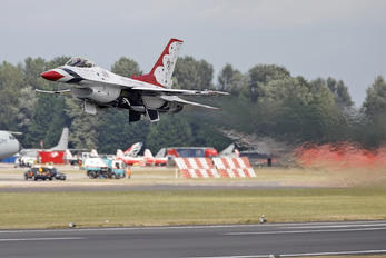 92-3908 - USA - Air Force : Thunderbirds General Dynamics F-16C Fighting Falcon
