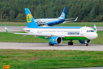 UK32021 - Uzbekistan Airways Airbus A320 NEO