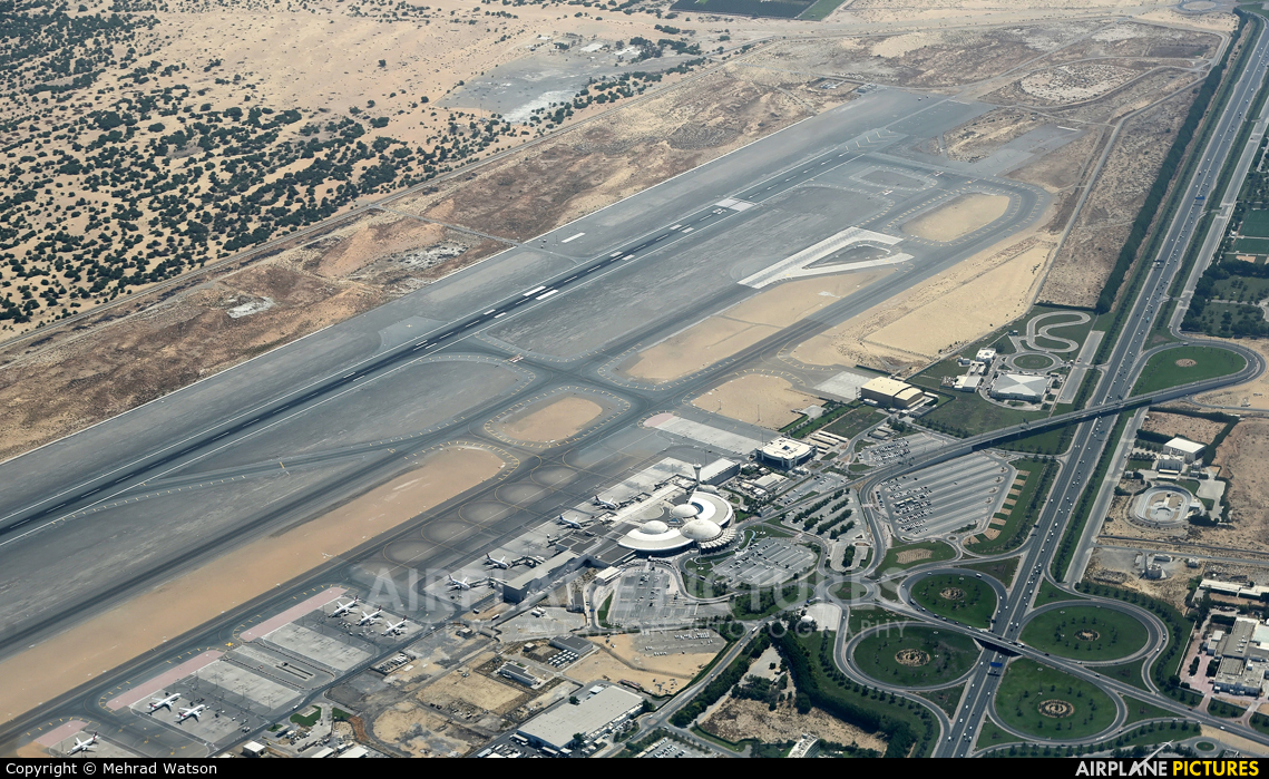 - Airport Overview - aircraft at Sharjah Intl