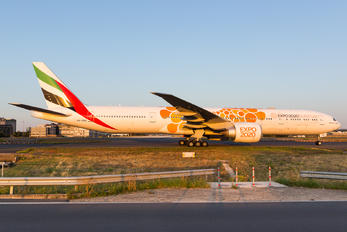 A6-EQO - Emirates Airlines Boeing 777-31H(ER)