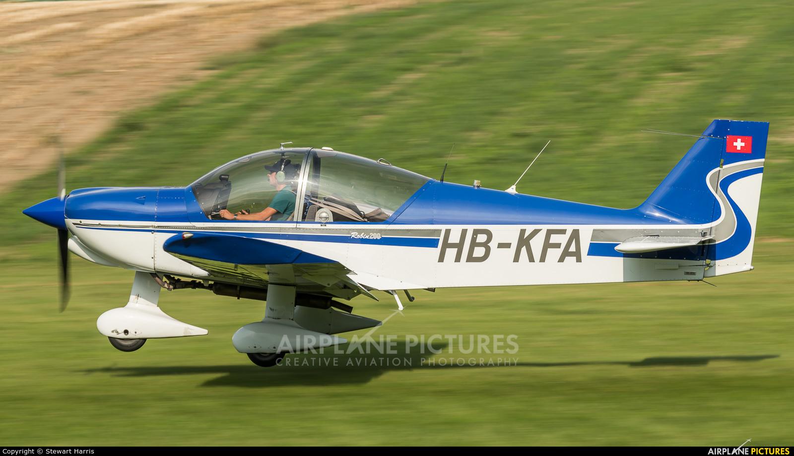 Private HB-KFA aircraft at Bex