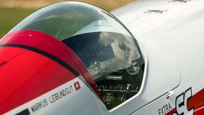 HB-MLG - Private Extra 330SC