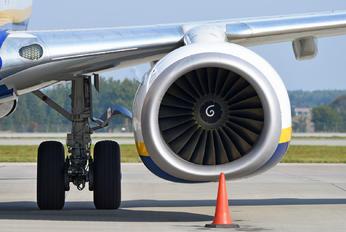 SP-RKH - Buzz Boeing 737-8AS