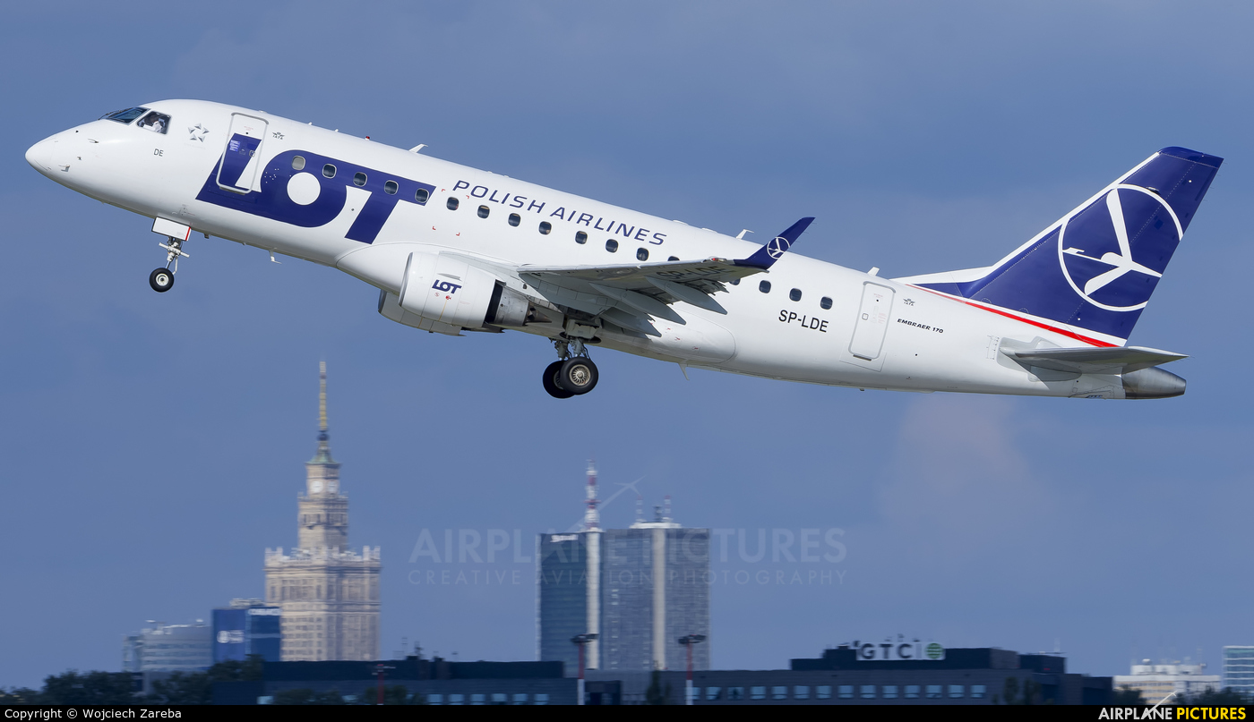 LOT - Polish Airlines SP-LDE aircraft at Warsaw - Frederic Chopin