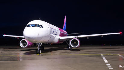 HA-LYU - Wizz Air Airbus A320