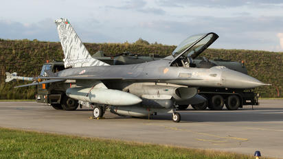 15106 - Portugal - Air Force General Dynamics F-16A Fighting Falcon