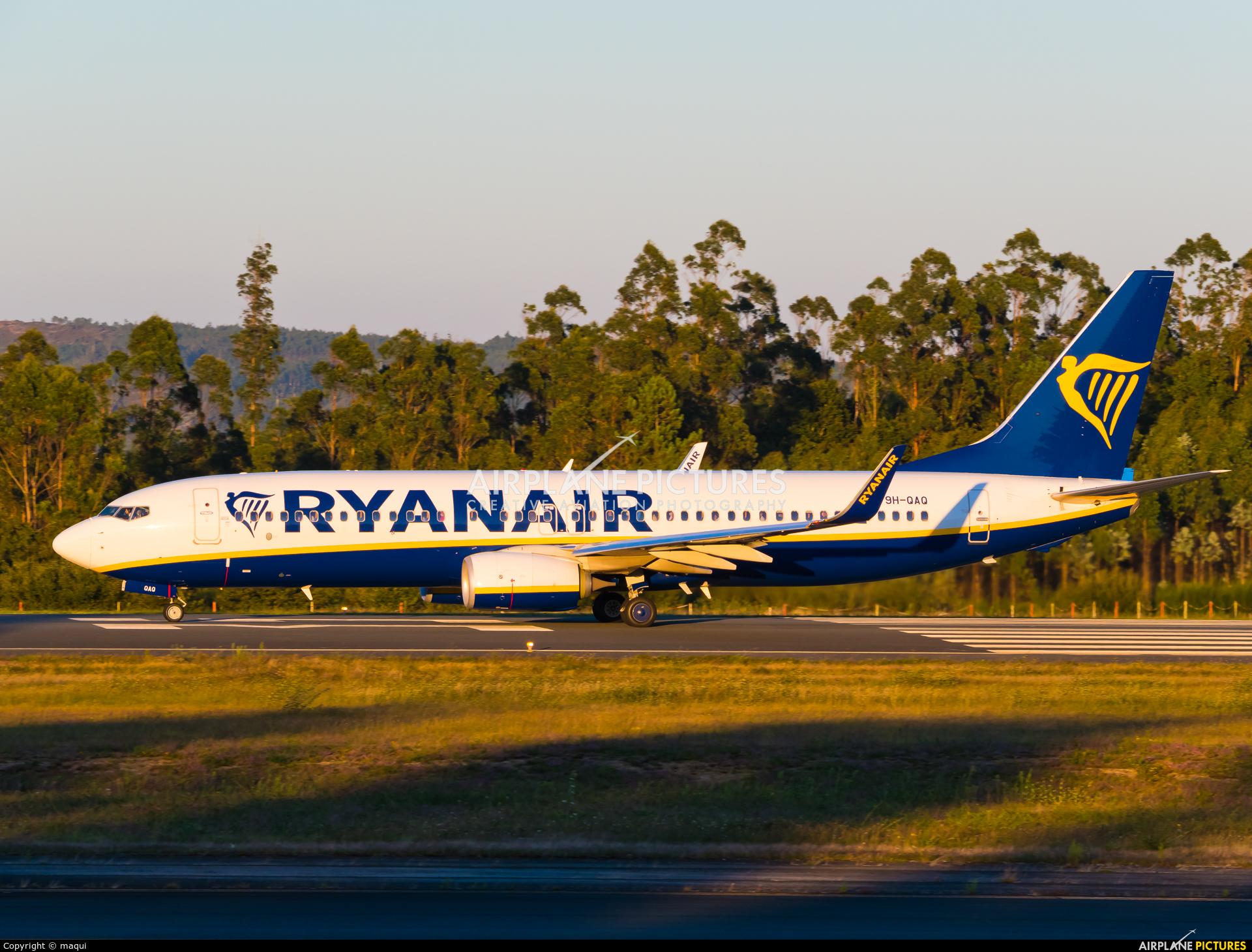 Ryanair (Malta Air) 9H-QAQ aircraft at Santiago de Compostela