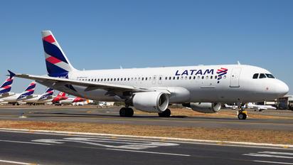 PR-MYR - LATAM Airbus A320