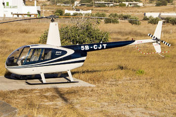 5B-CJT - Private Robinson R44 Clipper