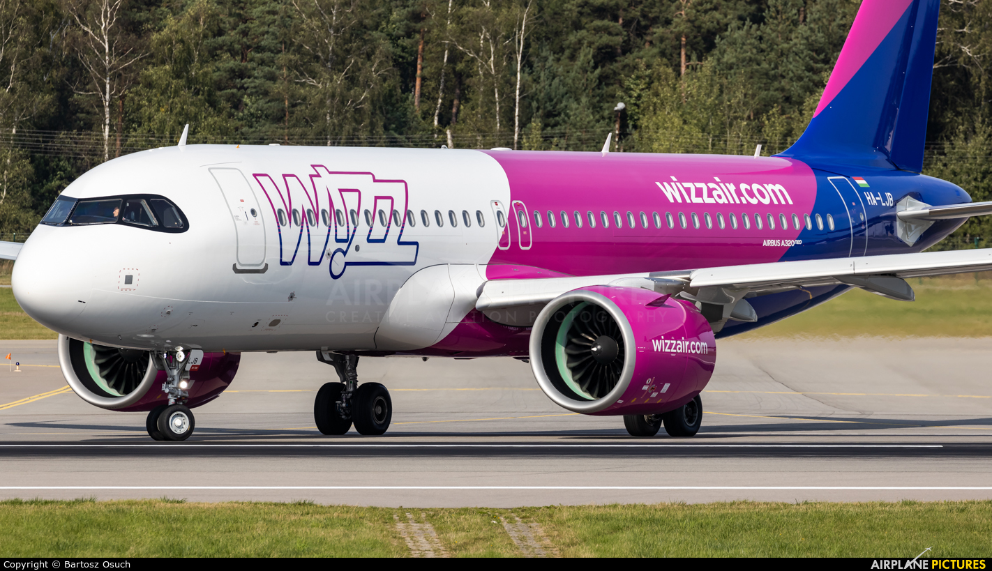Wizz Air HA-LJB aircraft at Gdańsk - Lech Wałęsa