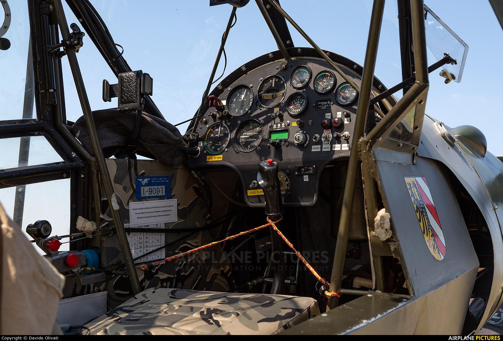 Private I-9091 aircraft at Ozzano dell