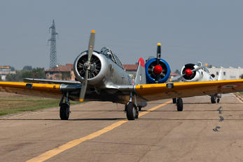 I-FKVE - Private North American Harvard/Texan (AT-6, 16, SNJ series)