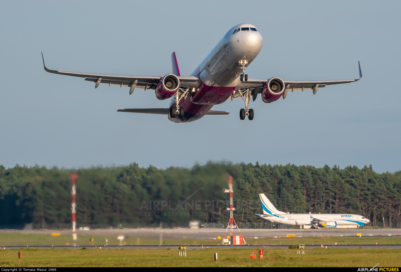 Wizz Air HA-LXV aircraft at Katowice - Pyrzowice
