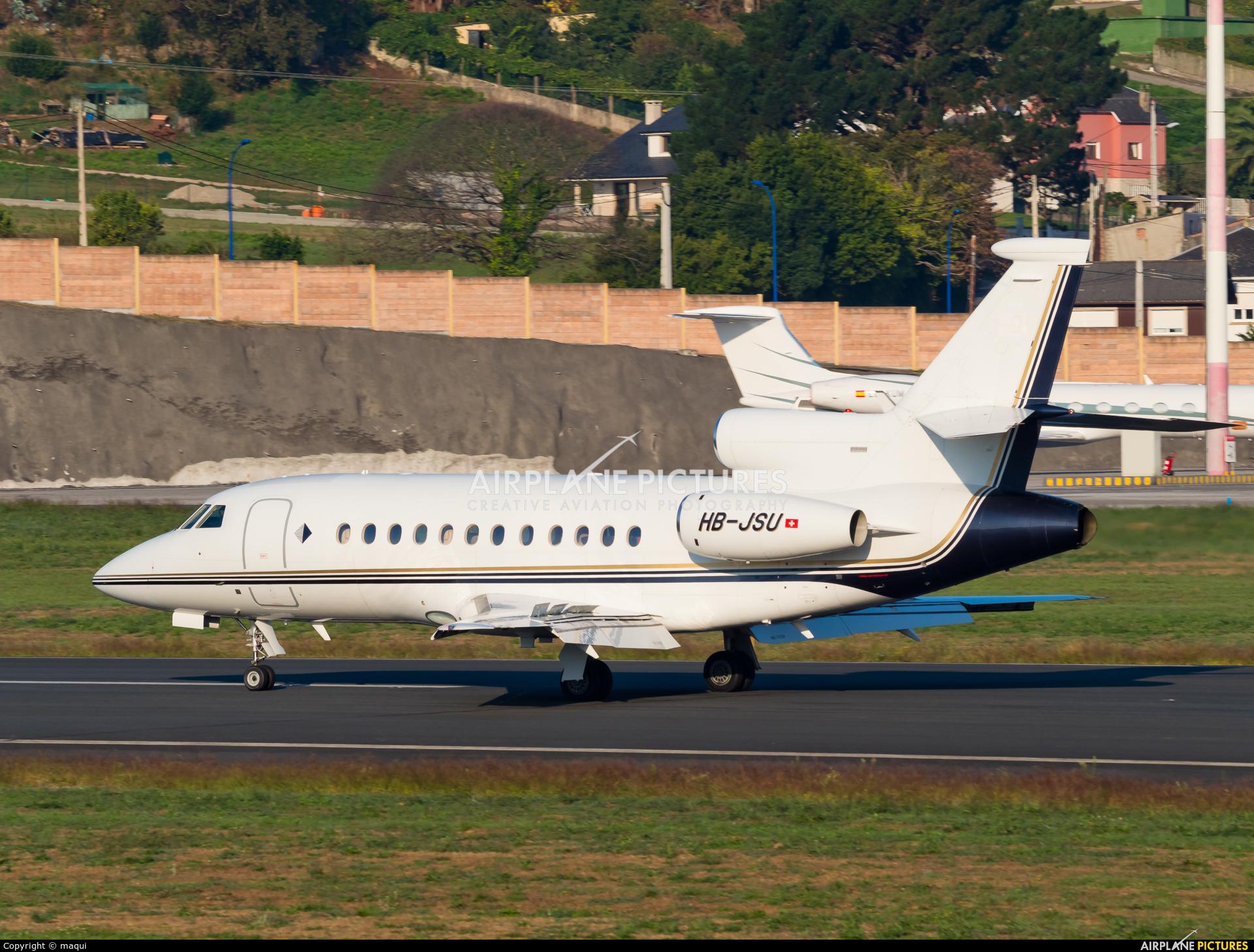 Private HB-JSU aircraft at La Coruña