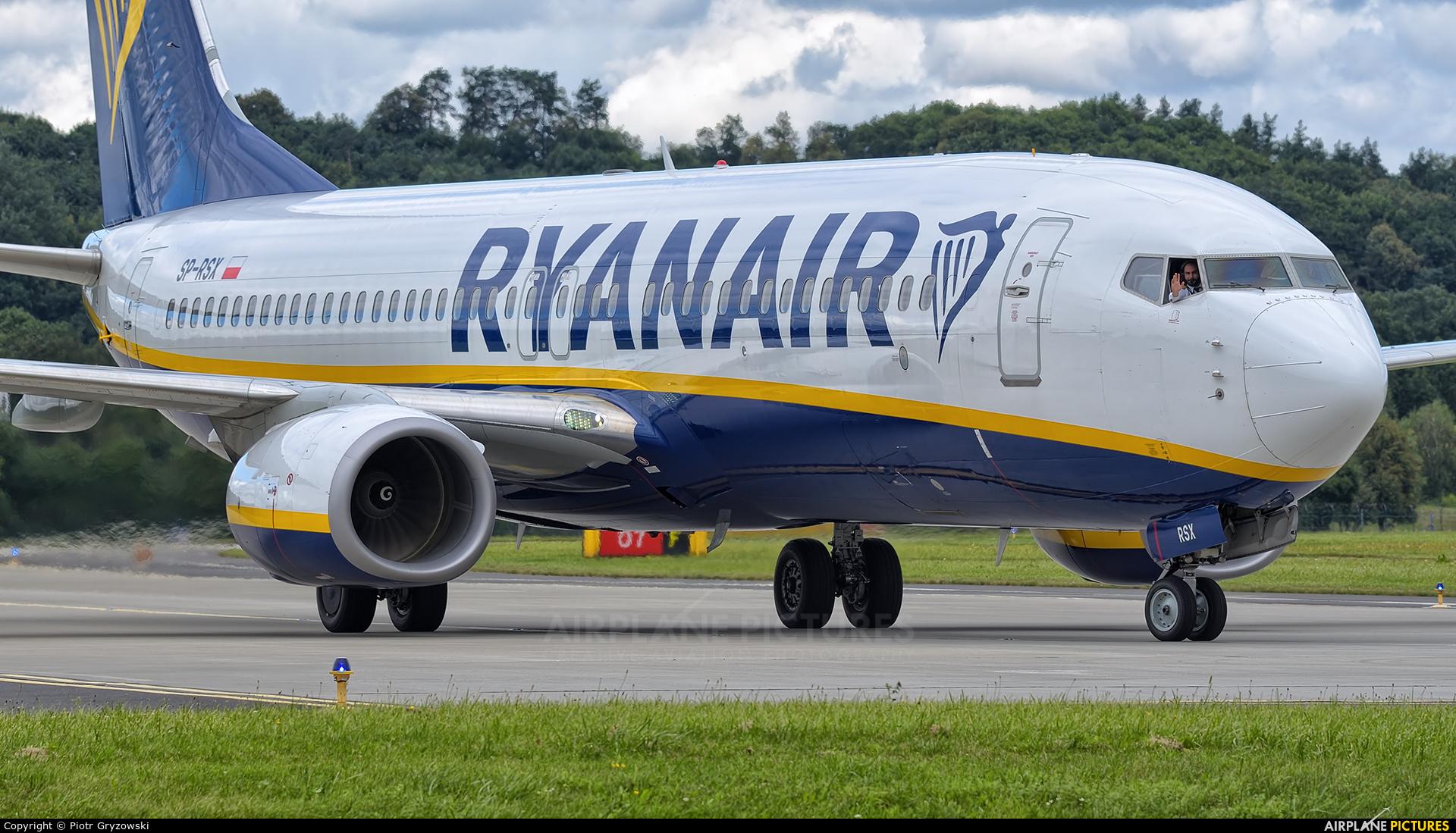 Ryanair Sun SP-RSX aircraft at Kraków - John Paul II Intl