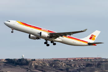 EC-LXK - Iberia Airbus A330-300