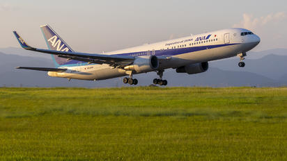 JA619A - ANA - All Nippon Airways Boeing 767-300ER