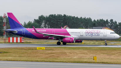 HA-LTG - Wizz Air Airbus A321