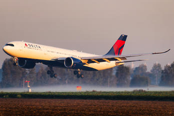 N404DX - Delta Air Lines Airbus A330-900