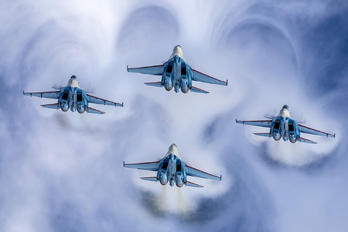 "51 - Russia - Air Force ""Russian Knights"" Sukhoi Su-35S"
