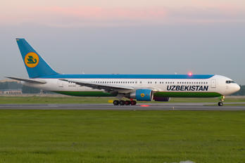 UK67007 - Uzbekistan Airways Boeing 767-300ER