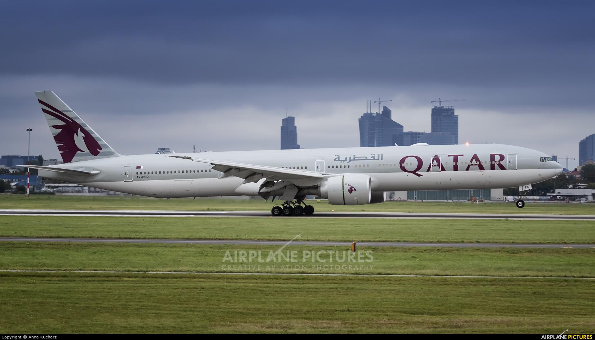 Qatar Airways A7-BED aircraft at Warsaw - Frederic Chopin