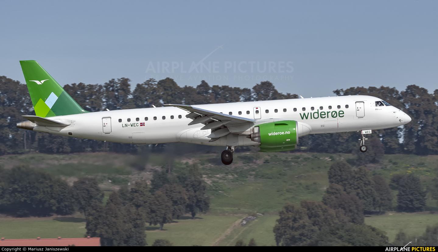 Widerøe LN-WEC aircraft at Kraków - John Paul II Intl