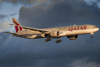 A7-BEK - Qatar Airways Boeing 777-300ER