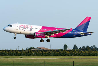 HA-LWK - Wizz Air Airbus A320