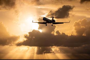 N999LX - Private Gulfstream Aerospace G-V, G-V-SP, G500, G550