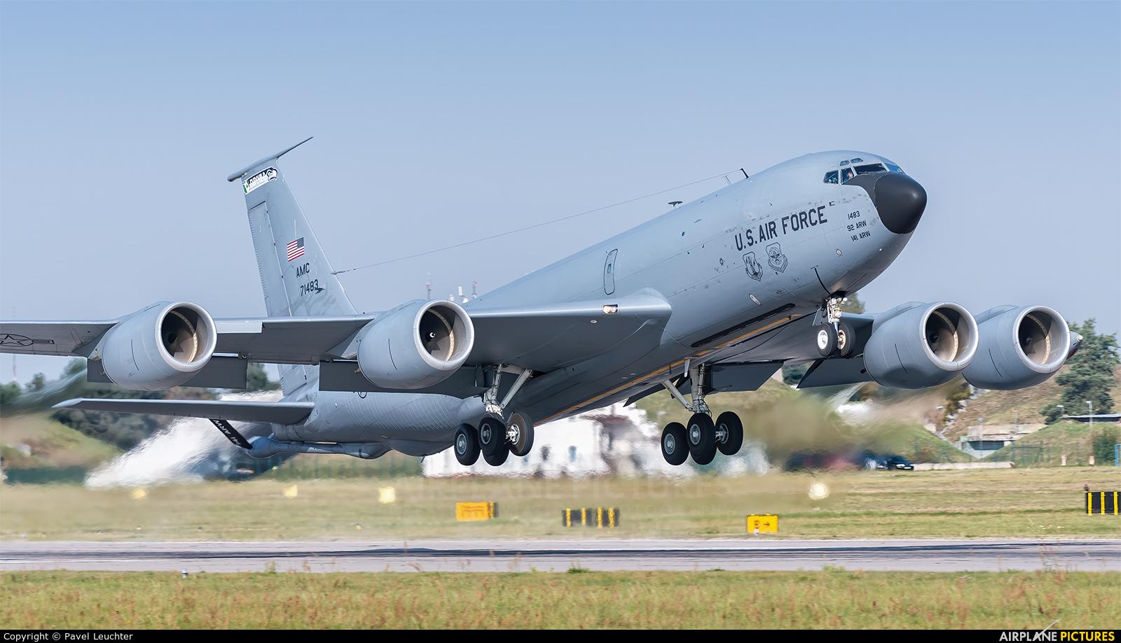 USA - Army National Guard 57-1483 aircraft at Pardubice
