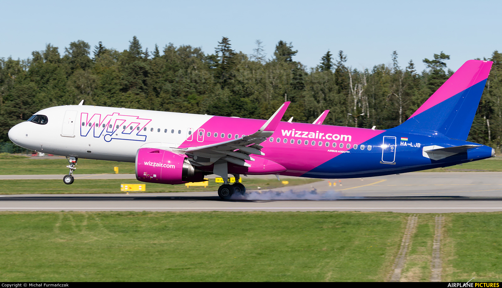 Wizz Air HA-LJB aircraft at Gdańsk - Lech Wałęsa