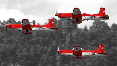 A-918 - Switzerland - Air Force: PC-7 Team Pilatus PC-7 I & II
