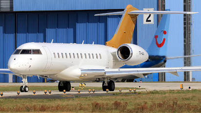 T7-AAA - Private Bombardier BD-700 Global Express XRS