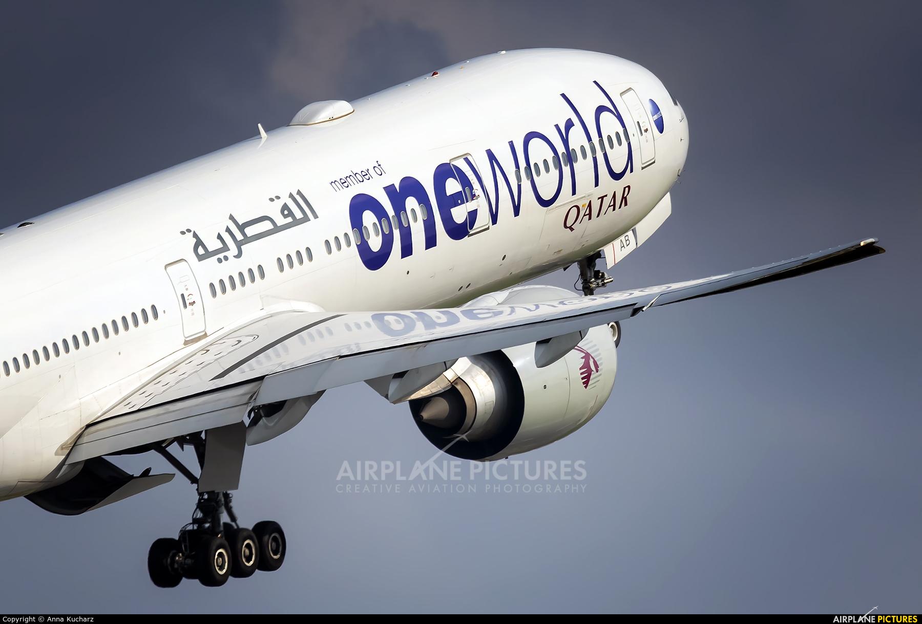 Qatar Airways A7-BAB aircraft at Warsaw - Frederic Chopin