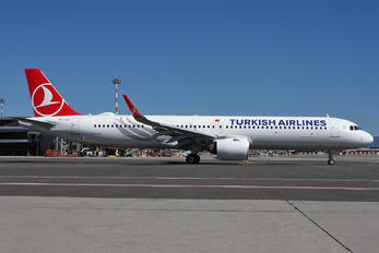 TC-LST - Turkish Airlines Airbus A321 NEO