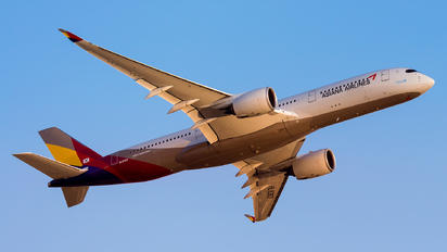 HL-8362 - Asiana Airlines Airbus A350-900