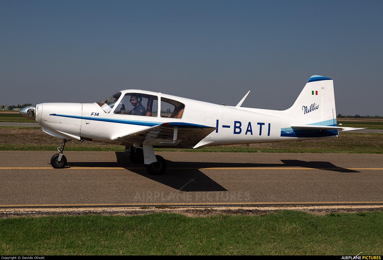 Private I-BATI aircraft at Ozzano dell