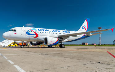 VQ-BTP - Ural Airlines Airbus A319