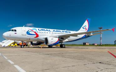 VQ-BTP - Ural Airlines Airbus A319