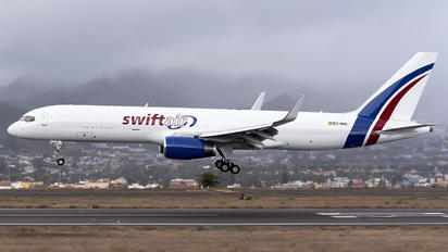 EC-NIU - Swiftair Boeing 757-223(SF)