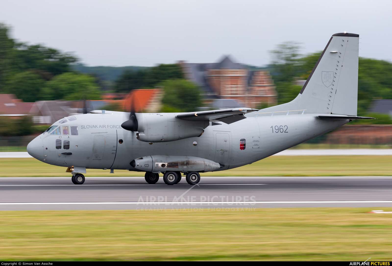 Slovakia -  Air Force 1962 aircraft at Brussels - Zaventem