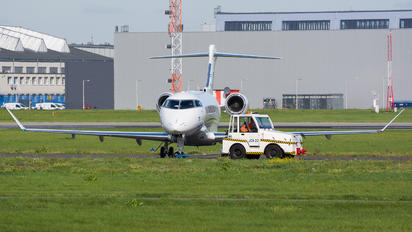 SP-KHI - Blue Jet Bombardier BD-100 Challenger 350 series